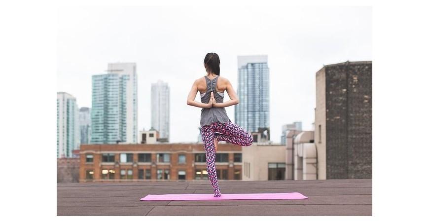 Razones por las que hacer yoga