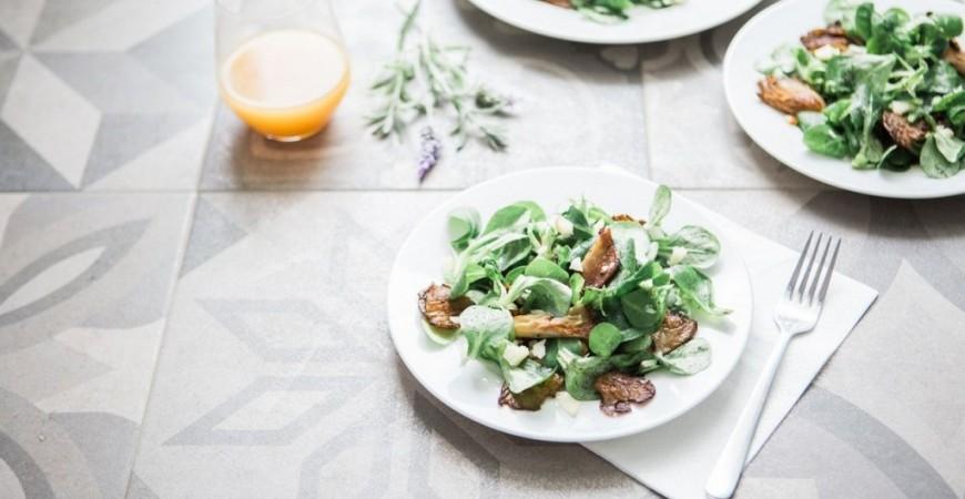 Ensaladas ricas en proteínas para el verano